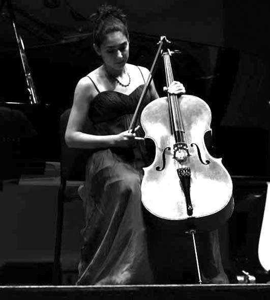 cellist-bw